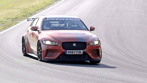 jaguar-xe-sv-project-8-nurburgring-spy-photos (3).jpg